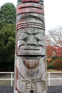 Culture - Public Art - Civic - Mungo Martin - Centennial Pole - Image 02 - Photo by Maxime Cyr-Morton - 2013