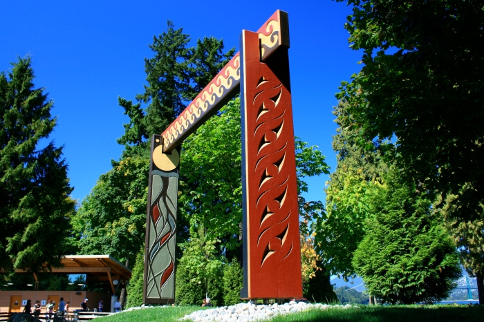 culture-public-art-civic-susan-point-people-amongst-the-people-image-12-photo-credit-coast-salish-arts